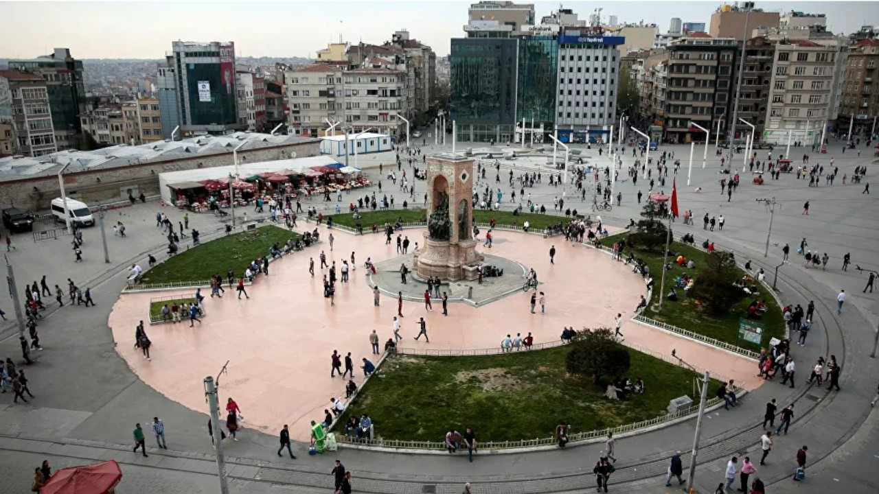 Istanbul residents decide on city's iconic squares