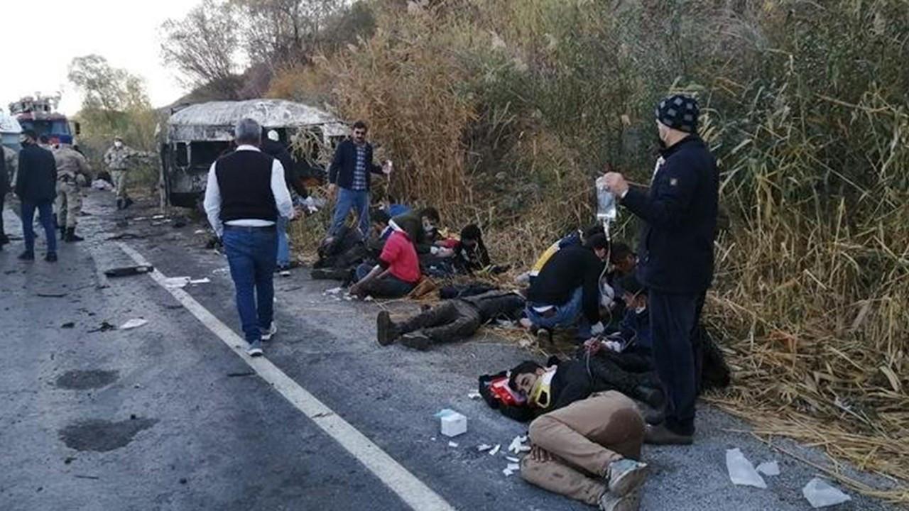 Car crash kills two migrants in Van