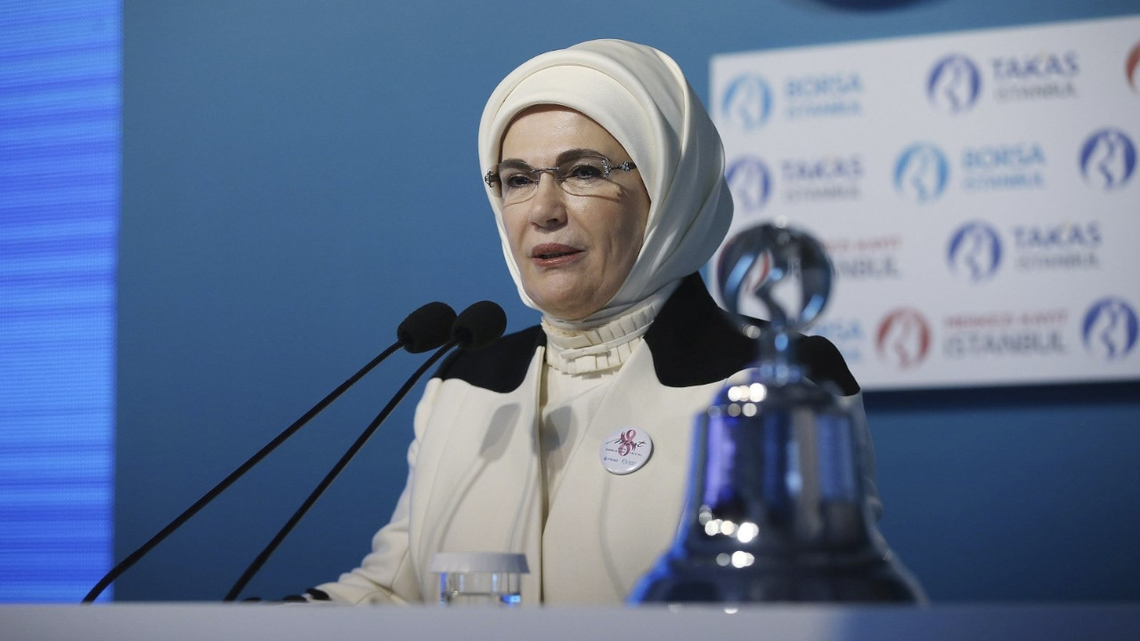 Mafia leaders should not be depicted as role models, says first lady