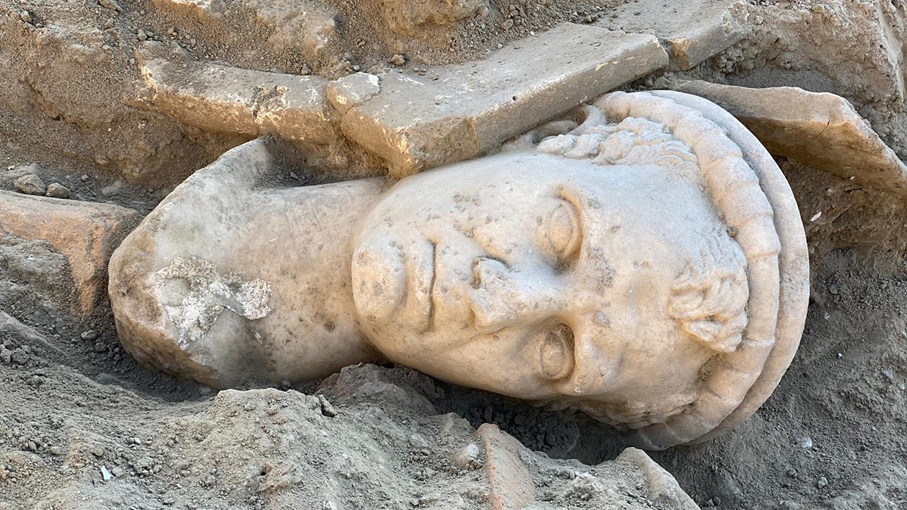Ancient clergyman bust recovered in ancient Aegean Turkey