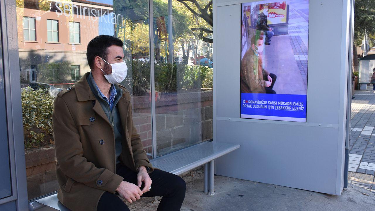 Turkish municipality installs smart screen that shows passengers without masks as coronavirus - Page 1