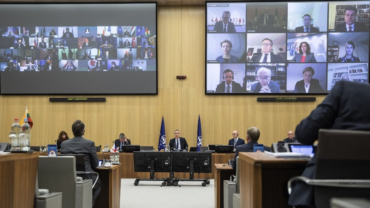 US, Turkey trade barbs in tense NATO meeting