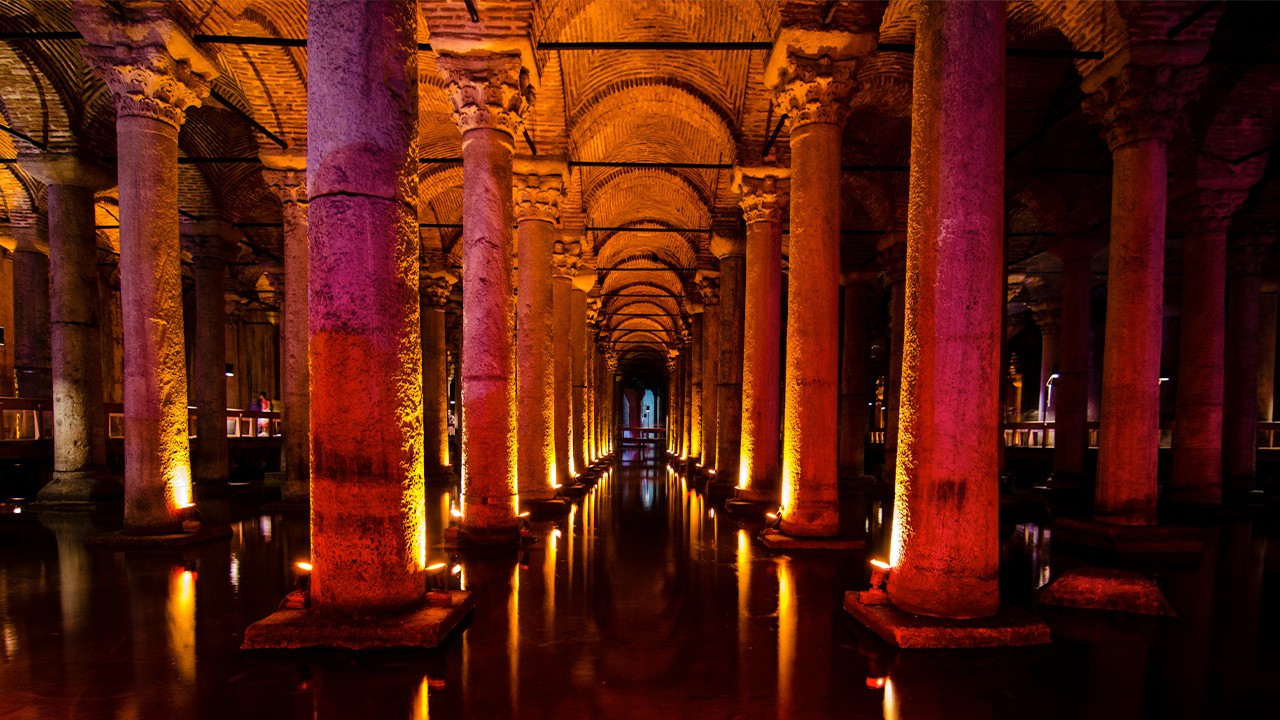 Istanbul's Basilica Cistern decaying, restoration 'can't wait'