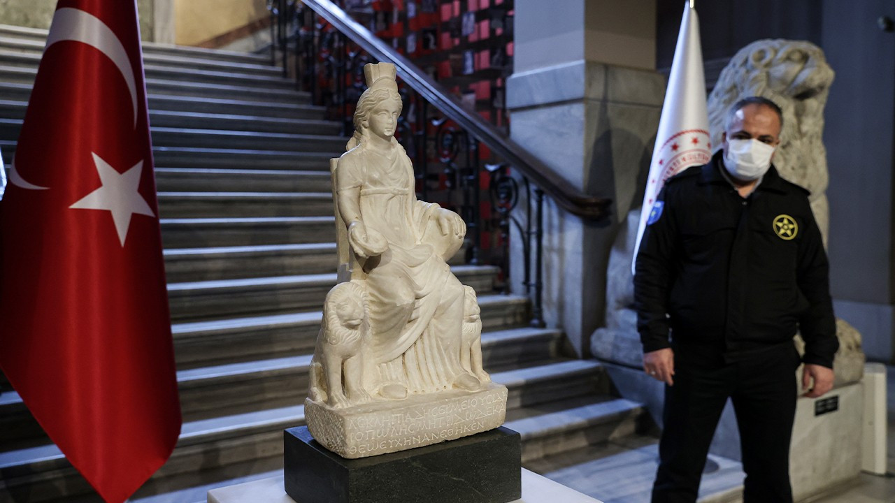 Ancient statue of Cybele returned to Turkey after it was stolen in 70s