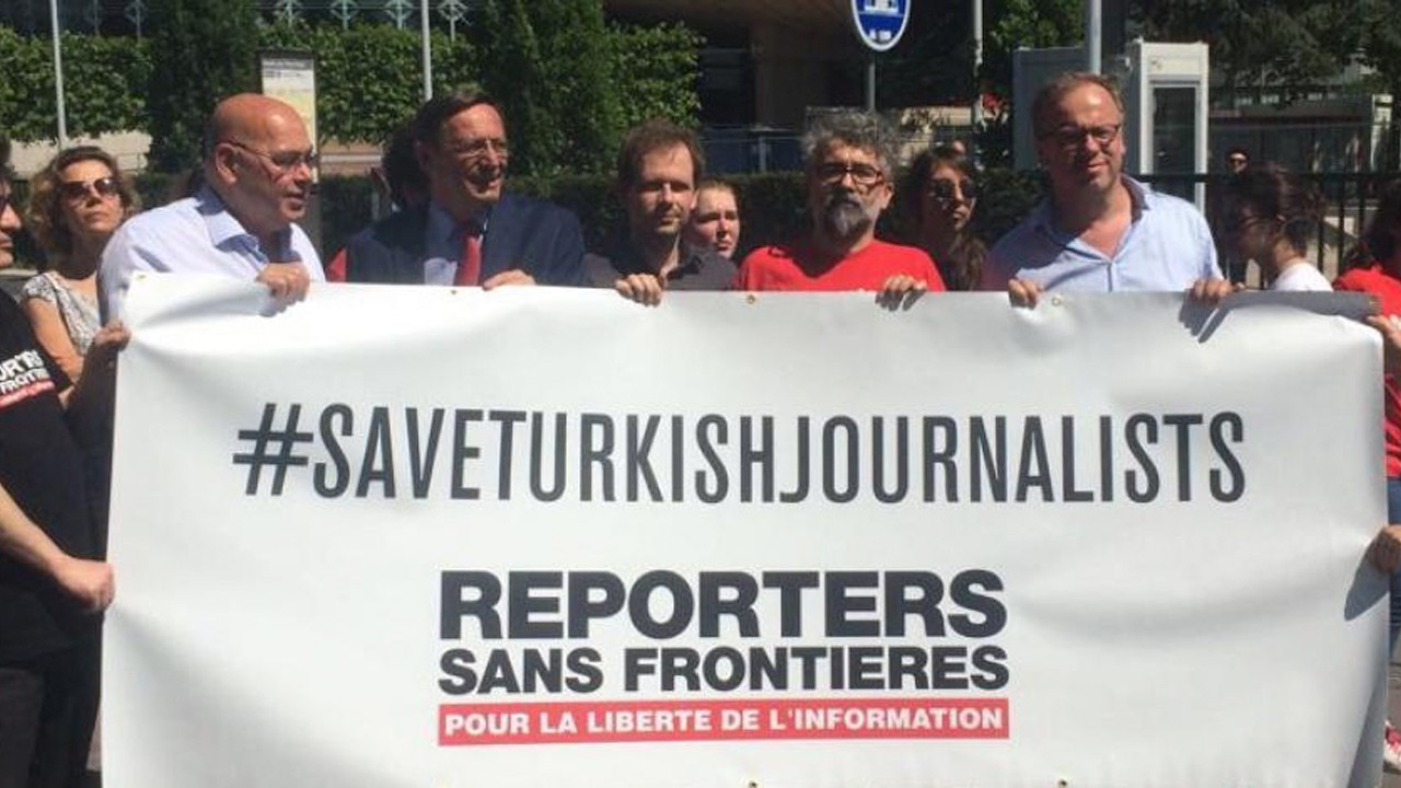 Turkish government's media 'witch hunt' puts Turkey at bottom of press freedom index again