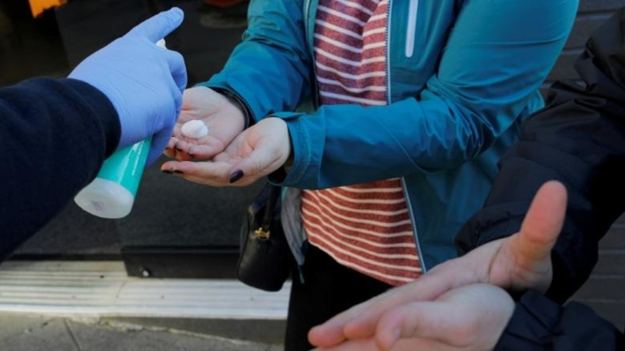 EU keeps Turkey-manufactured hand sanitizer off the shelves