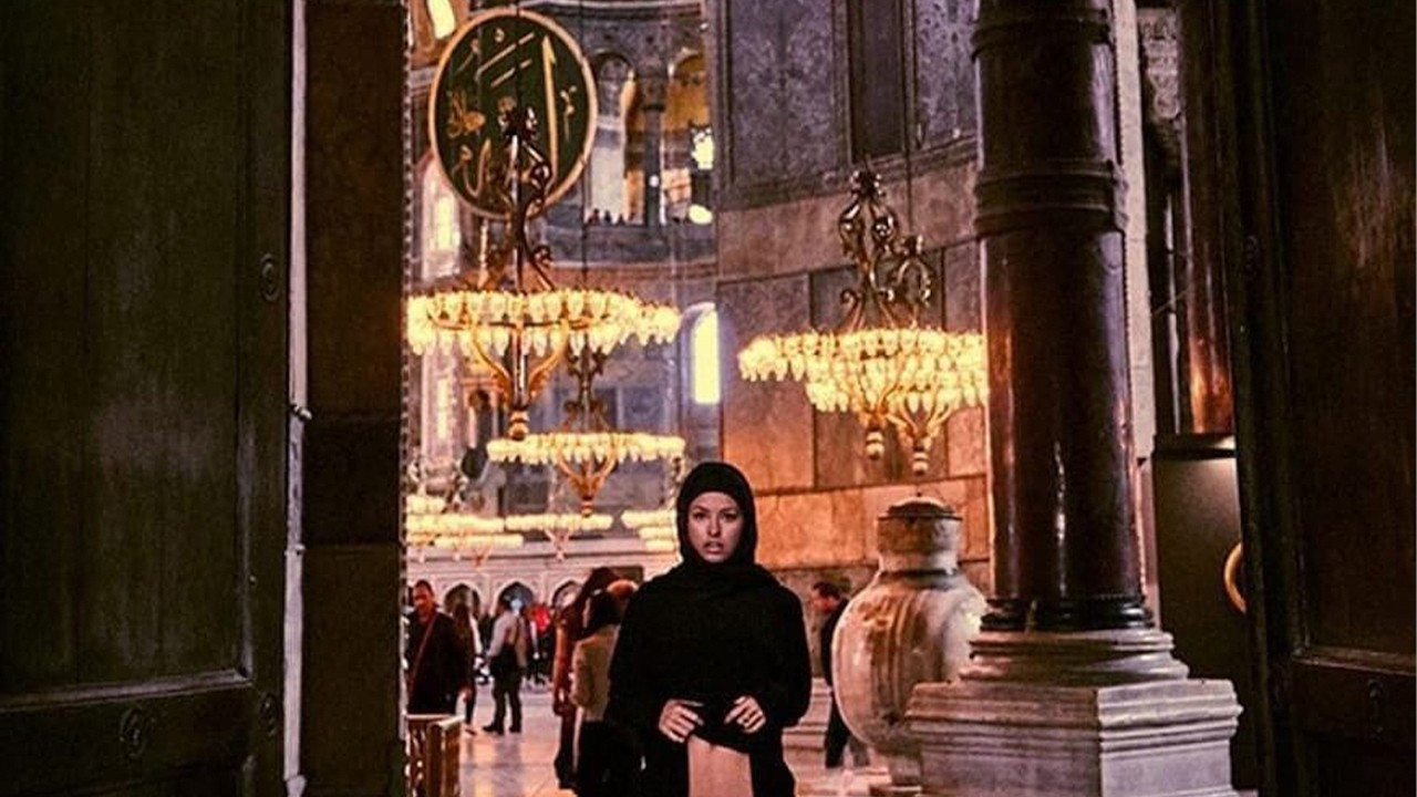 Belgian model faces up to 7 years in prison for posing nude in Hagia Sophia