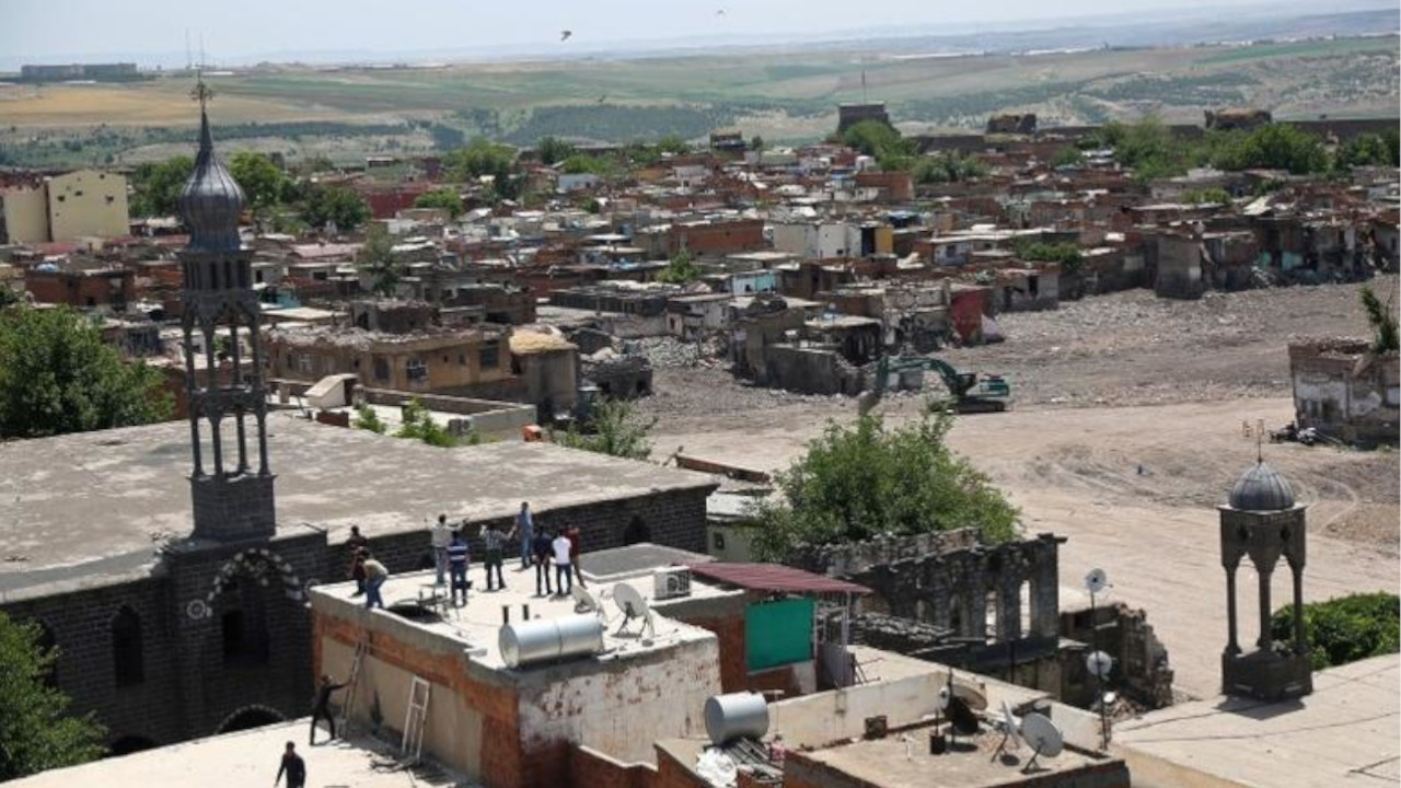 Displaced Sur residents, victims of expropriation, call for housing justice