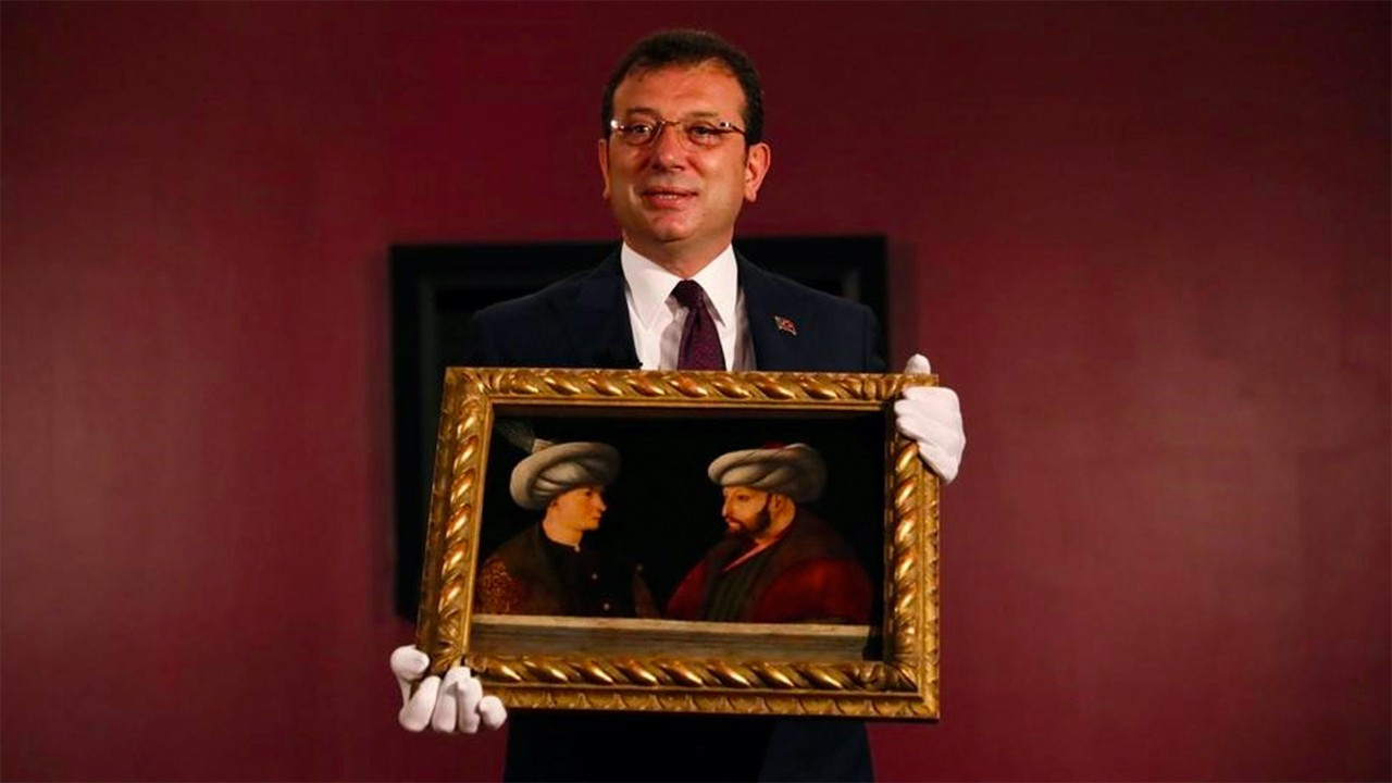 Opposition Istanbul Municipality's Mehmed the Conqueror portrait inspected for authenticity