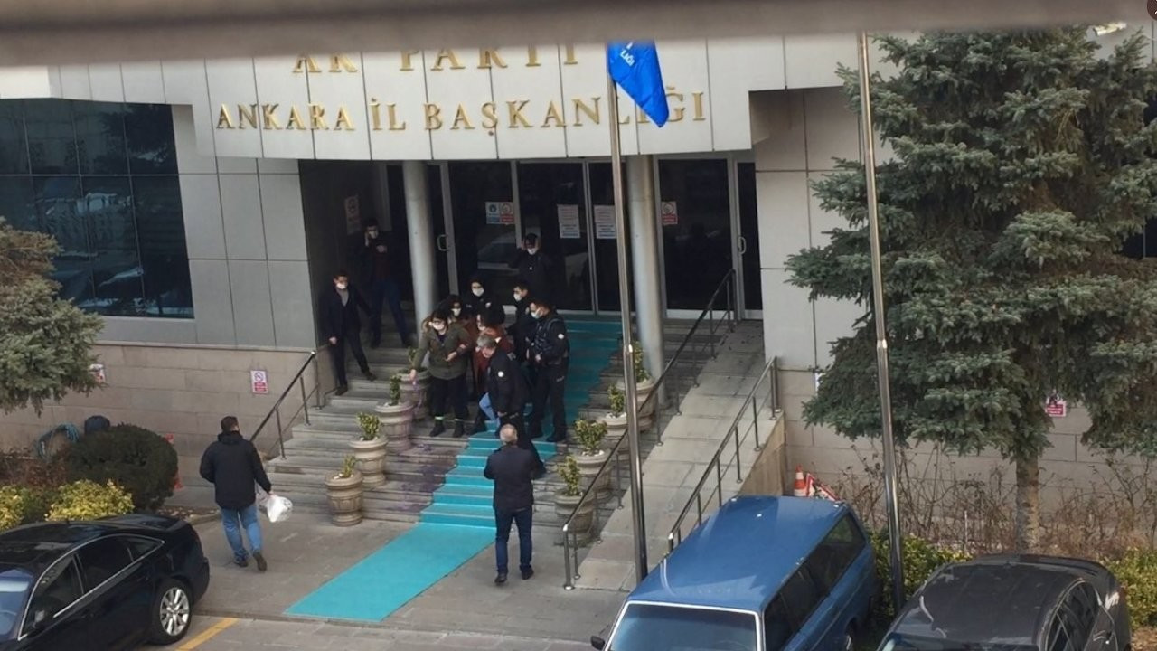 Women detained for throwing paint at AKP building to protest femicides