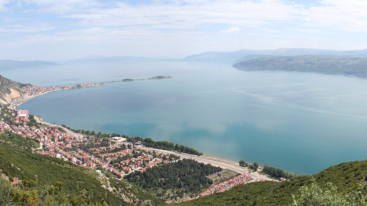 Extensive water retention policies risk drying out all lakes in Turkey