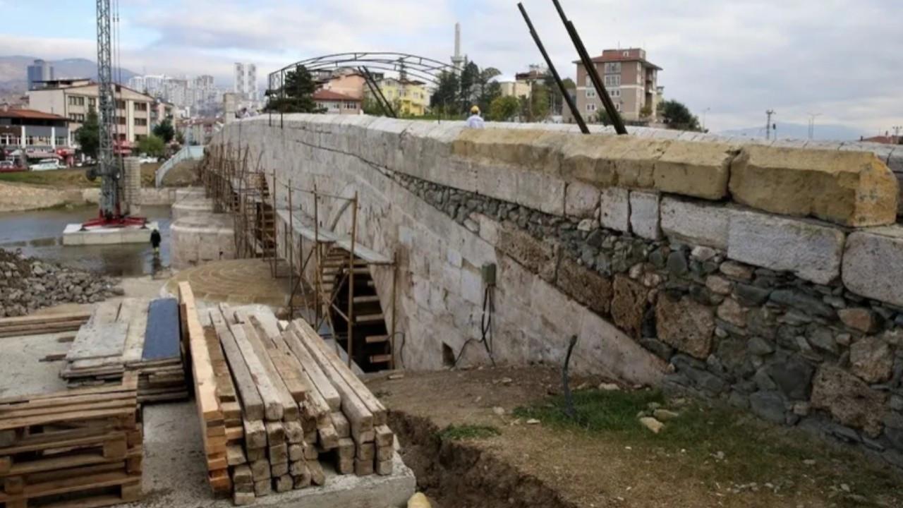 Restoration works uncover original stones of Seljuk-era bridge