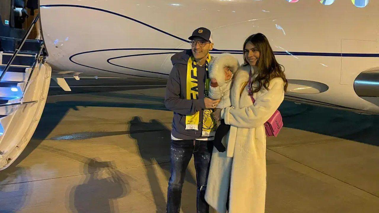 Mesut Özil arrives in Istanbul to join Fenerbahçe - Page 3