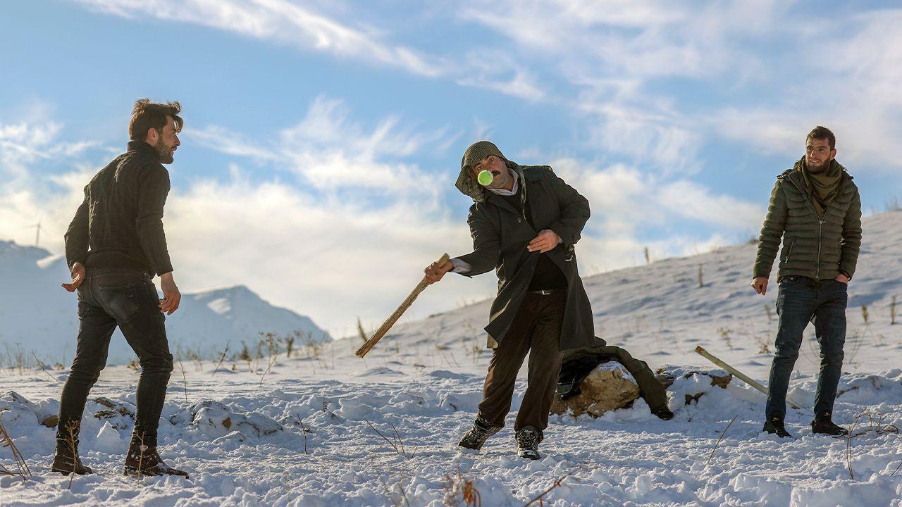 Kurdish baseball becomes southeast Turkey's favorite snow sport - Page 3