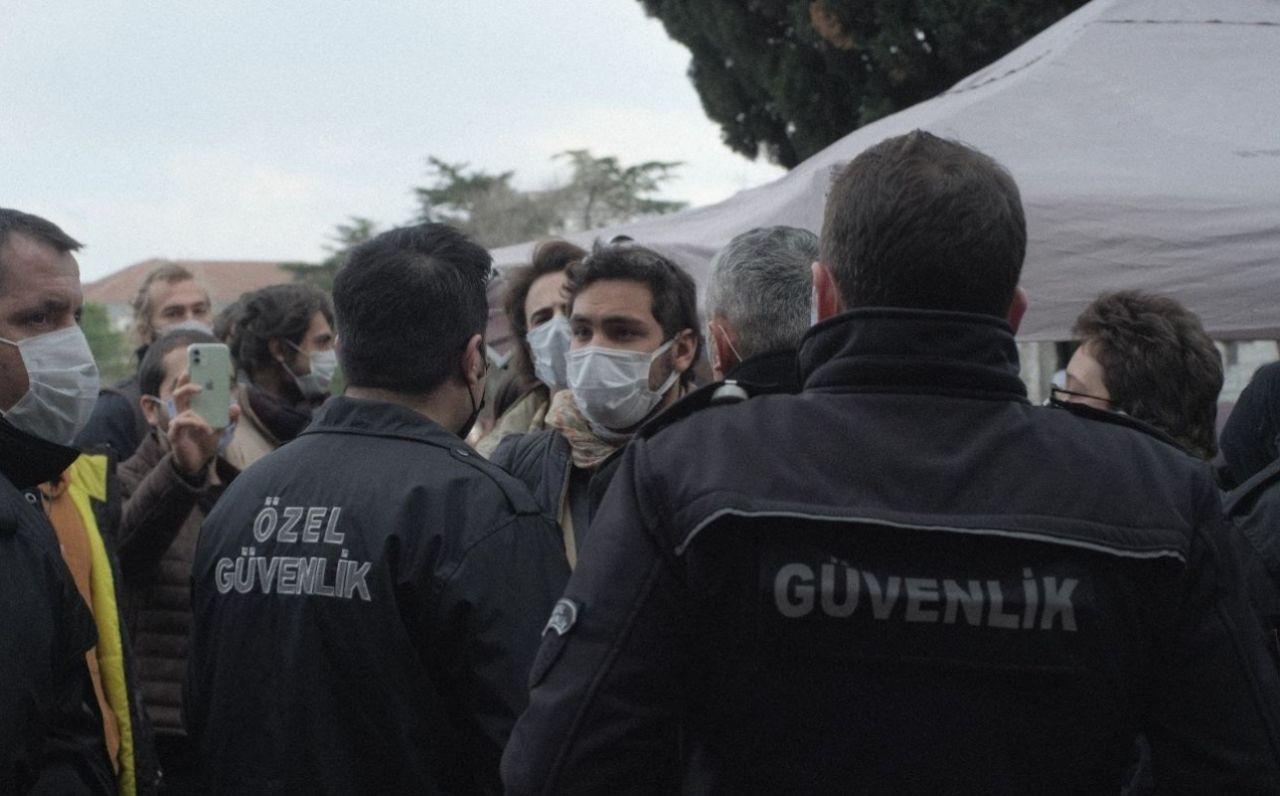 Boğaziçi University security staff break students' 'resistance tent' during intervention - Page 1