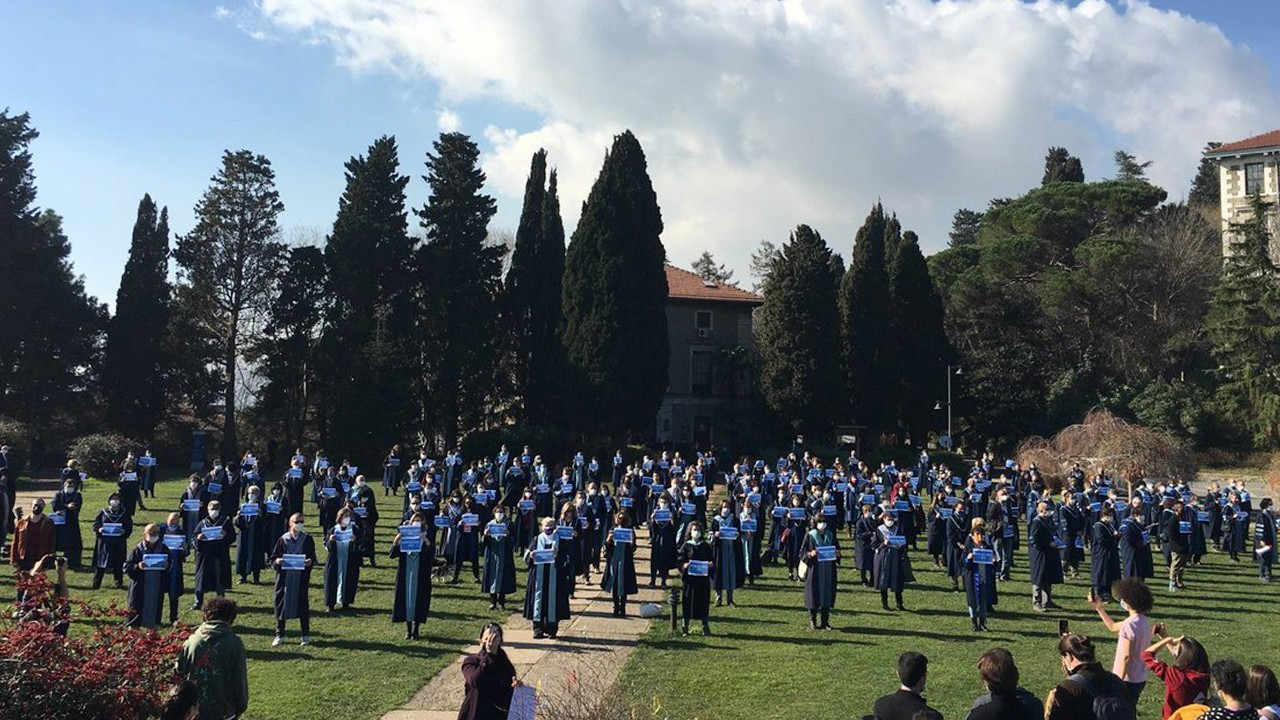 Hundreds of Boğaziçi University academics teach Erdoğan-appointed rector 'how to count'