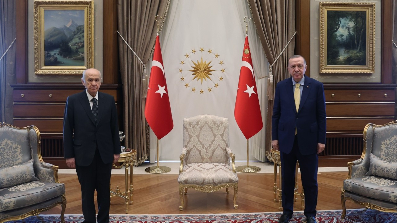 Ruling AKP 'to strengthen presidential system in new constitution'