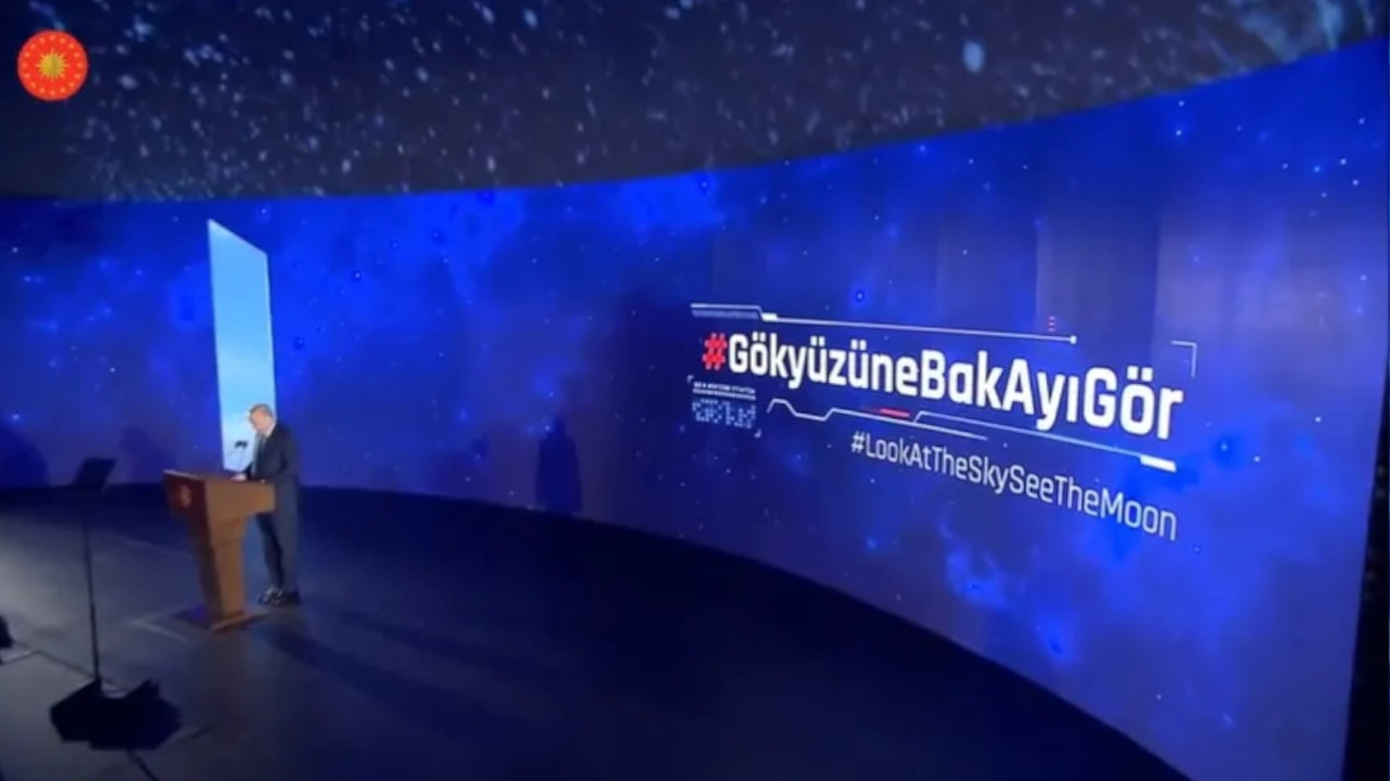 Mysterious monolith turns out to be gimmick for Erdoğan's speech