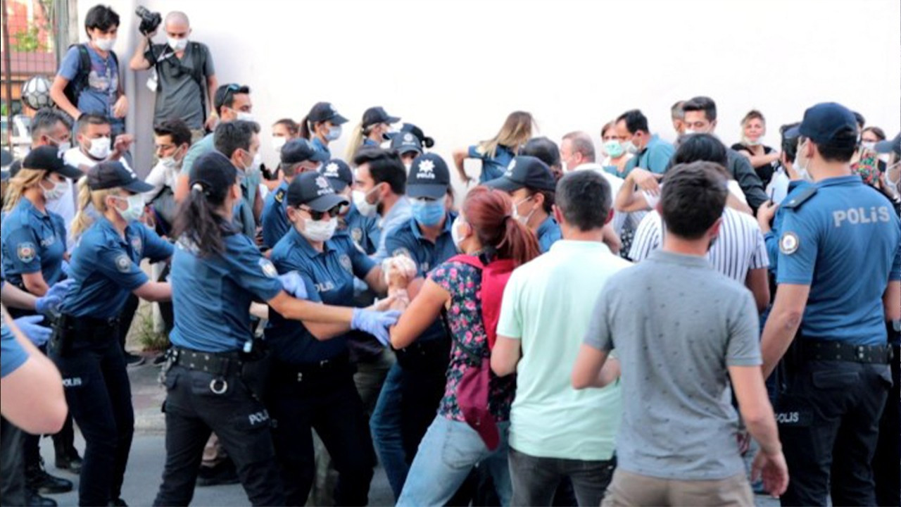 Reporter, women probed for protesting Istanbul Convention withdrawal