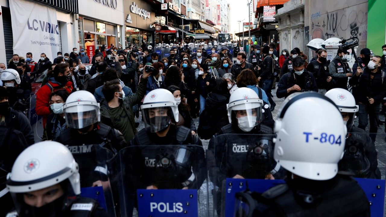To reform or not to reform: Power struggle in Ankara