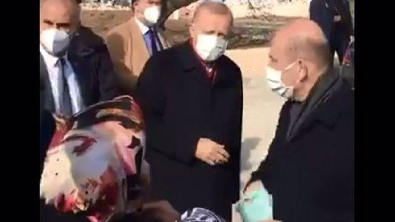 'I'm hungry!': Erdoğan ignores elderly woman's cry for help against poverty