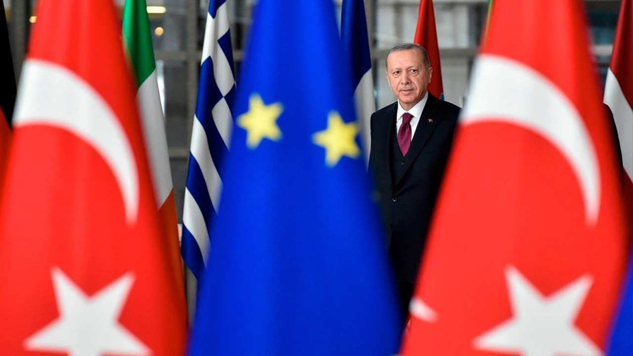 Turkey dodges EU tax blacklist, given until end of May to reveal data