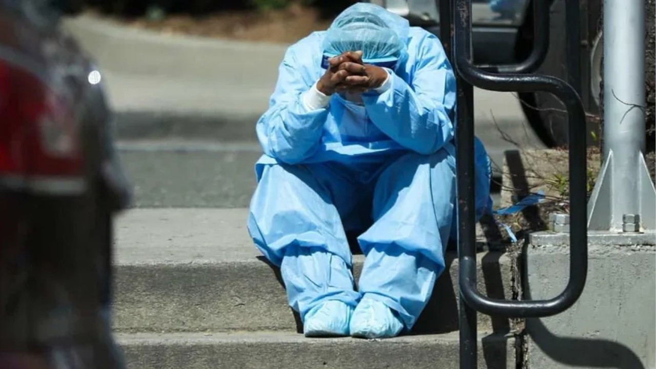 Pandemic-era burnout: Turkey's overworked doctors are quitting in dangerous numbers