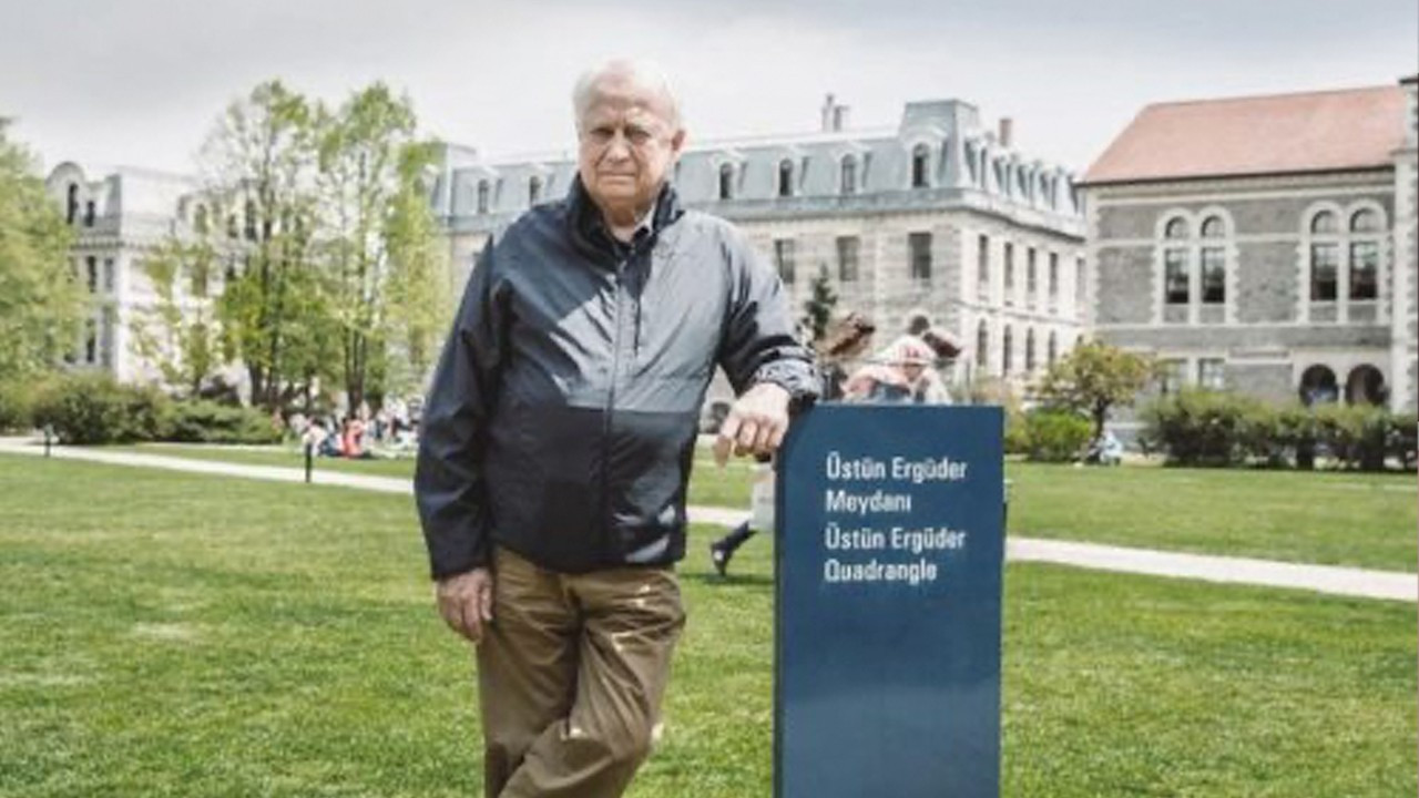 Over 1,400 intellectuals back prominent professor Üstün Ergüder targeted by Minister Soylu