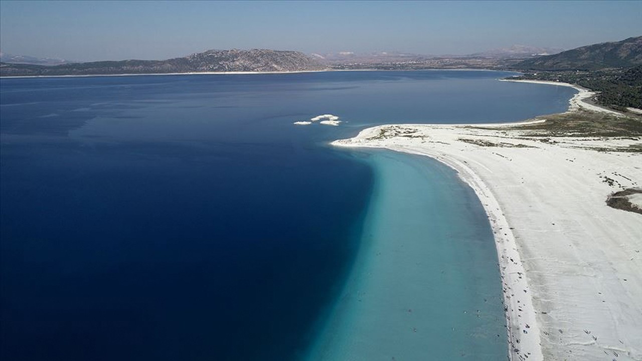 Association asks UNESCO to protect 'Turkey's Maldives' Lake Salda