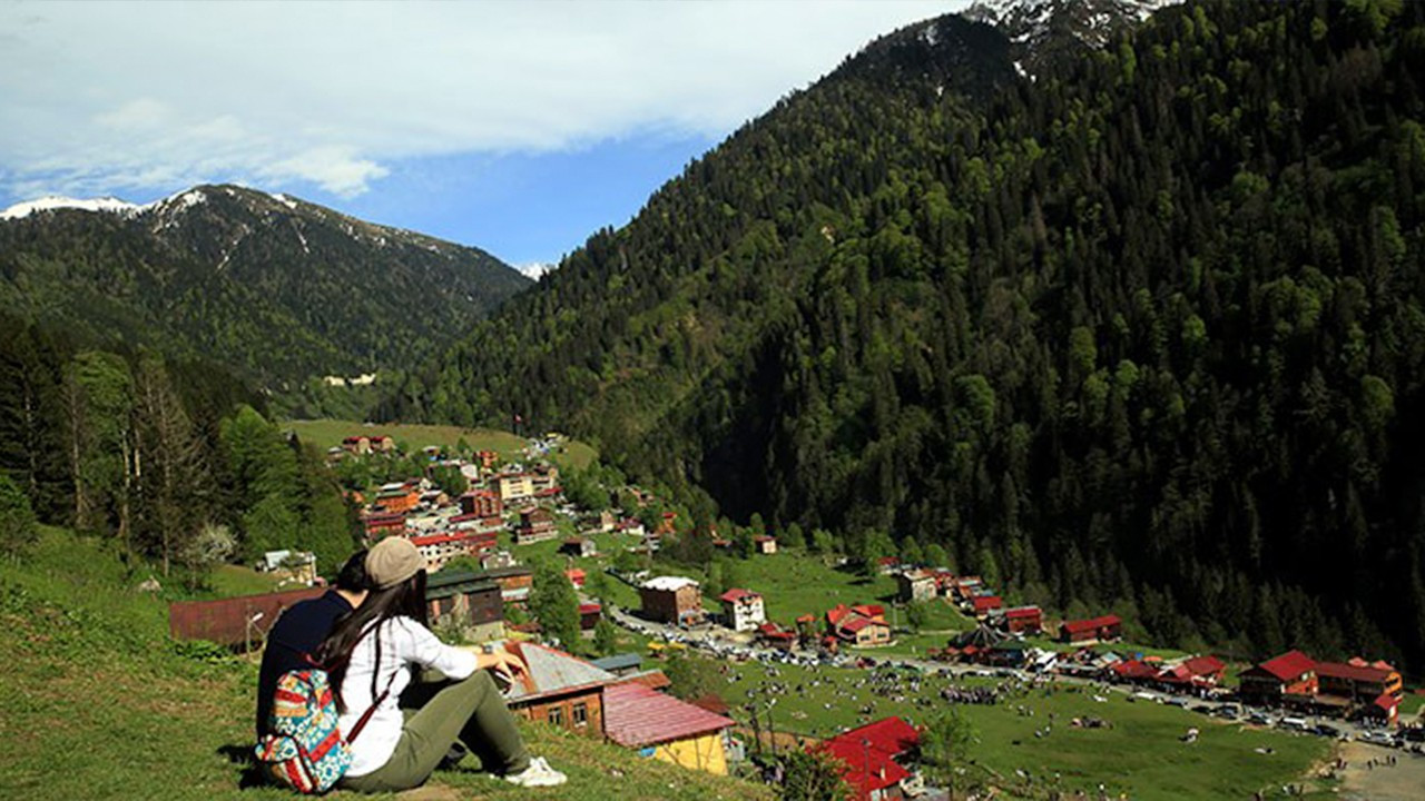 Governor says 1,732-car garage aims to 'preserve nature' in Turkey's Rize
