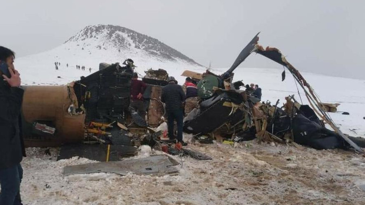 Military helicopter crash in eastern Turkeykills 11 soldiers, including corps commander