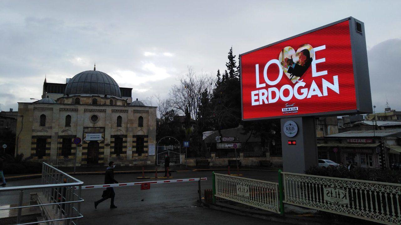 'Love Erdoğan' billboards pop up across Turkey to counter 'Stop Erdoğan' ad in US - Page 3