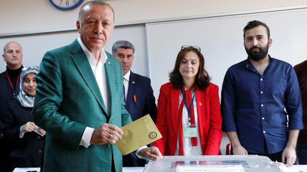 Turkey's AKP aims to lower election threshold to save MHP, weaken HDP