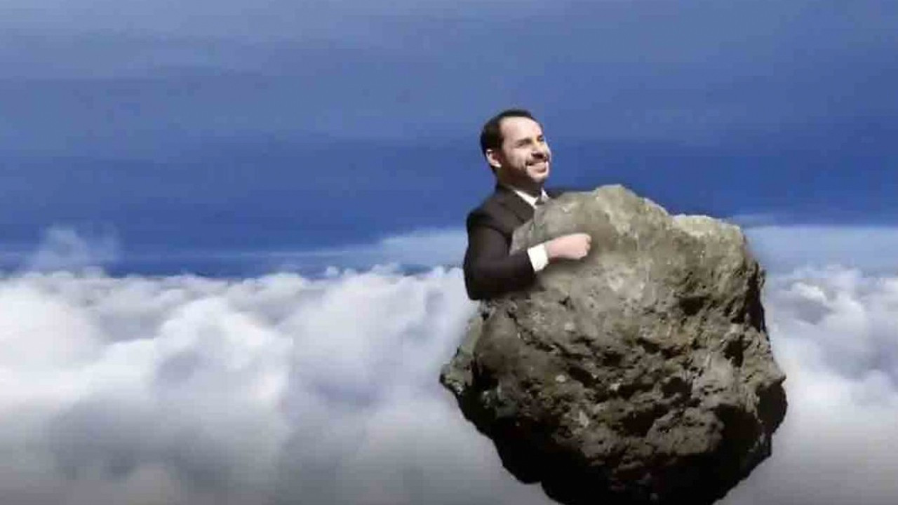 Future Party depicts Albayrak as meteor after Erdoğan compares him to 'rock falling on opposition'