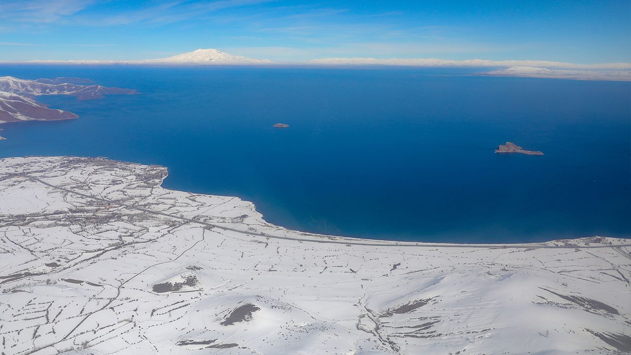 Satellite image of Turkey's Lake Van among favorites in NASA photo competition - Page 1
