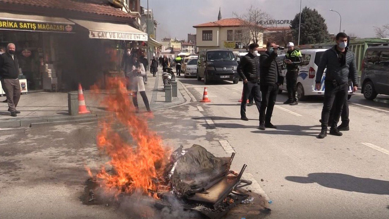 Business owners burn chairs, tables to protest Ankara's COVID policies
