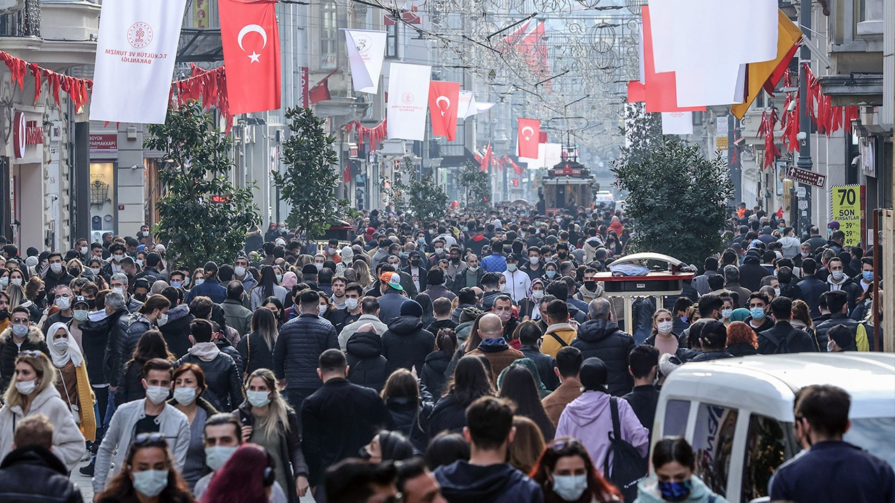 Istanbul entered 3rd wave of COVID-19 pandemic: Health Ministry expert