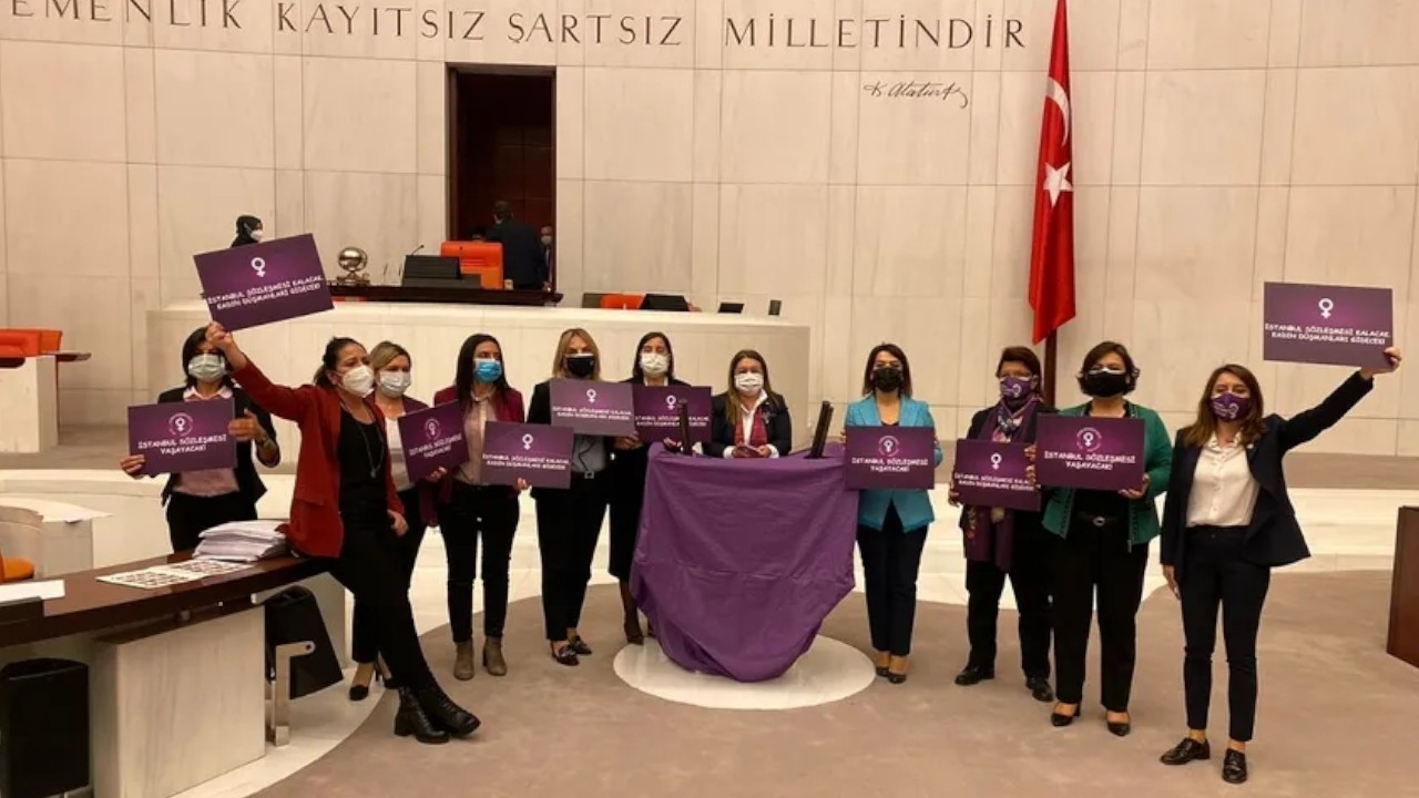 CHP MPs protest withdrawal from Istanbul Convention in parliament