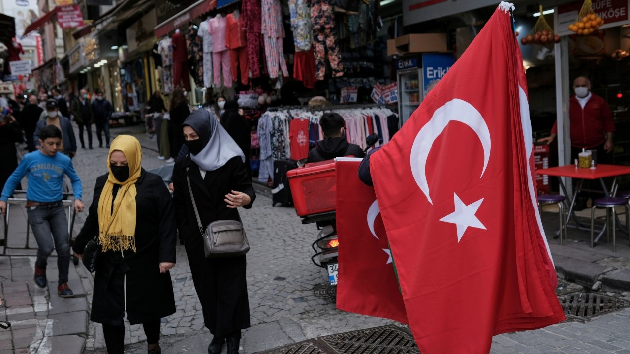 Turkey brings back Saturday lockdowns for cities with highest COVID-19 risk