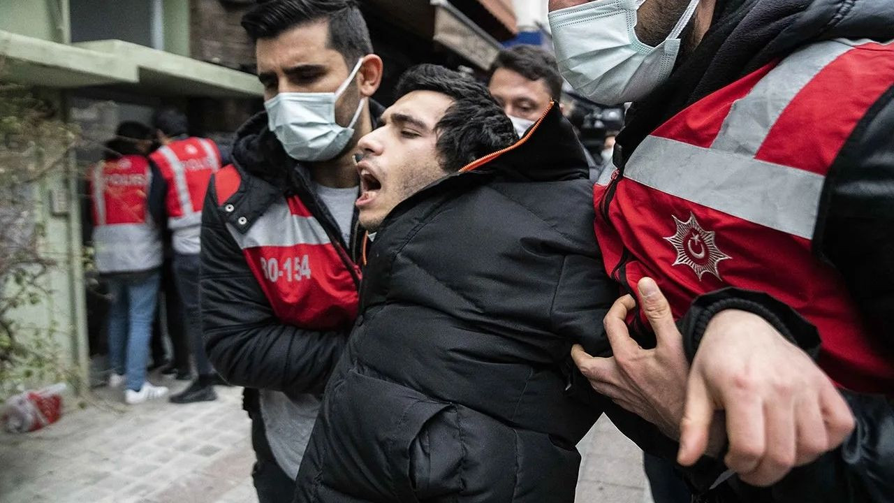 Istanbul police batter, detain Boğaziçi University students during protest - Page 10
