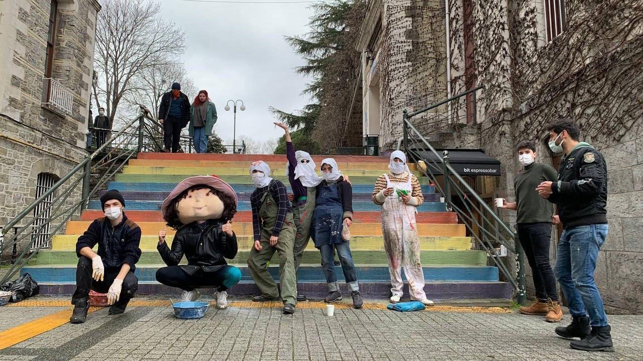 Ankara's fight against pride flag ensues on Boğaziçi University steps