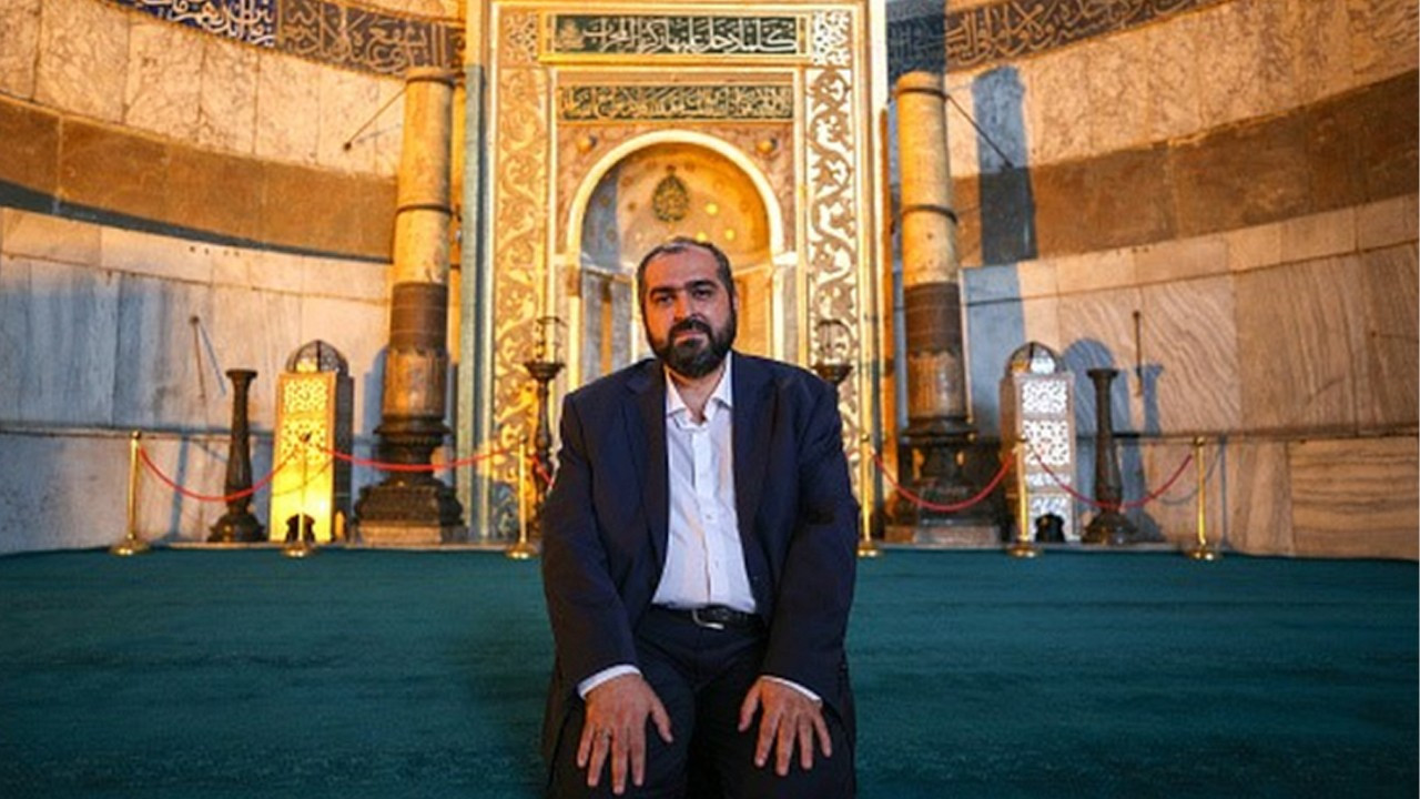Hagia Sophia's chief imam resigns amid warnings from gov't officials