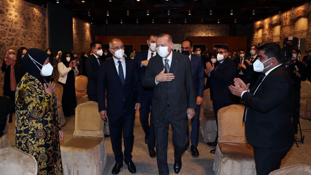 Erdoğan describes opposition's criticism of gov't as 'sword of infidel swinging' at Turkey