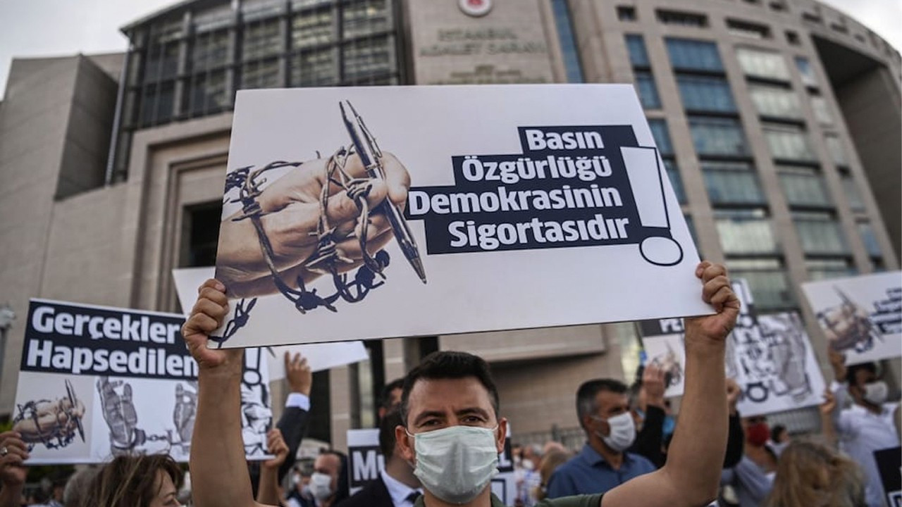 Turkey ranks near bottom of press freedom index yet again in 2021
