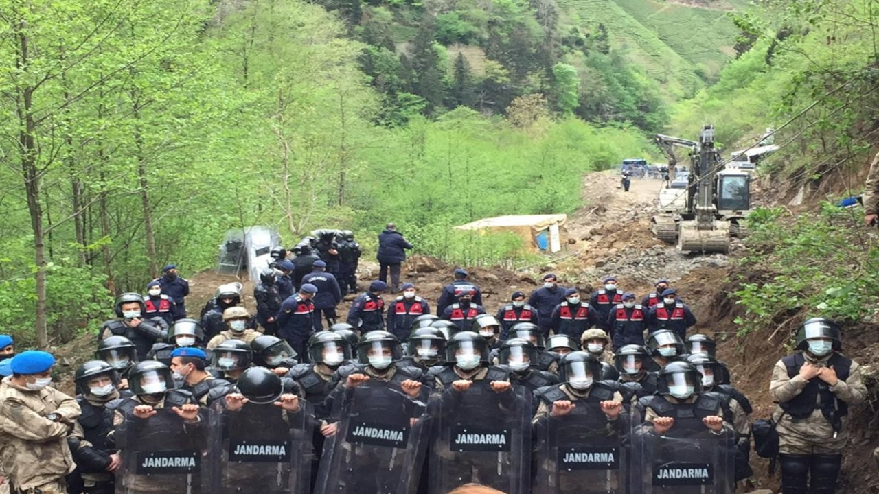 Pro-gov't company's quarry construction protected by gendarmerie