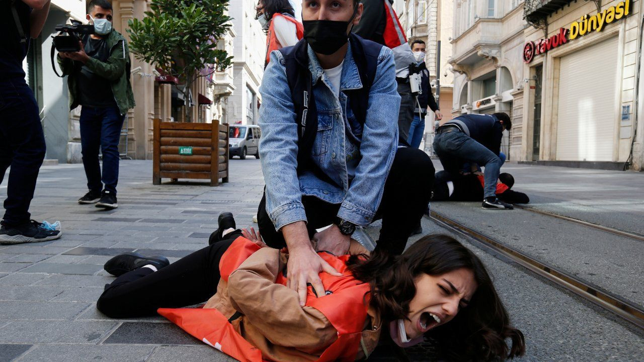 Turkish police detain hundreds at lockdown May Day marches - Page 1