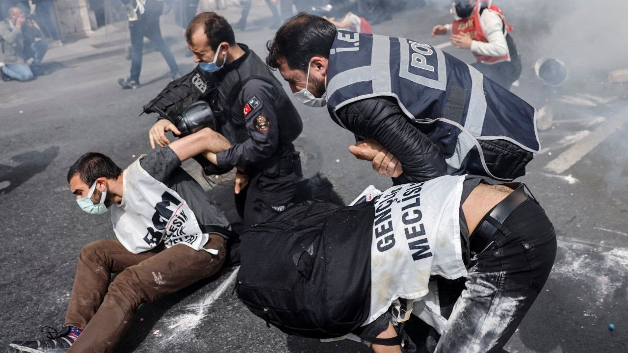 Turkish police detain hundreds at lockdown May Day marches - Page 2
