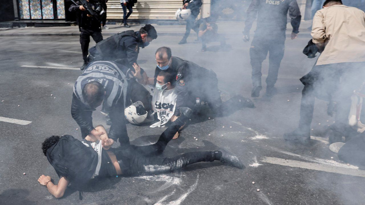Turkish police detain hundreds at lockdown May Day marches - Page 3