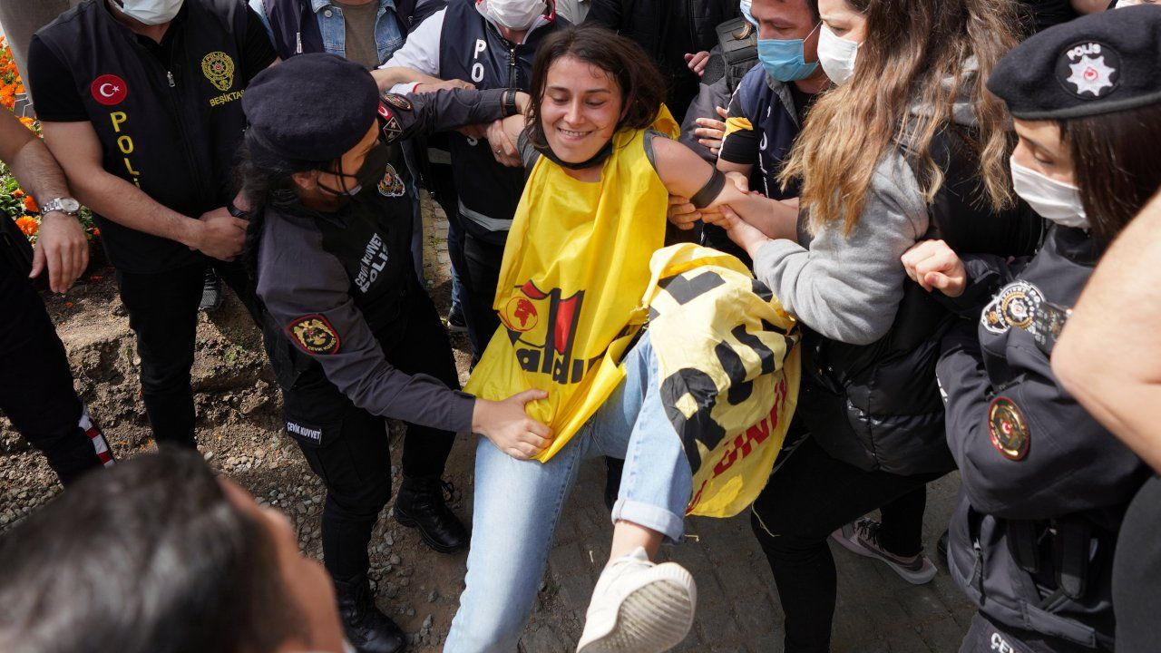 Turkish police detain hundreds at lockdown May Day marches - Page 8