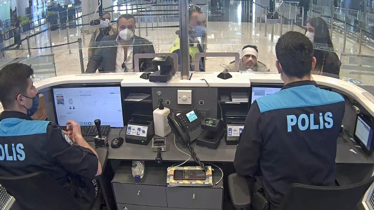 Police foil attempt to smuggle migrant with face covered in bandages